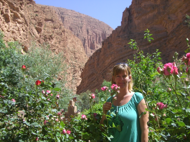 FROM OUARZAZATE: 3 days trip No. 300: Ouarzazate-Rose Valleys-Todra Gorge-Merzouga-Ouarzazate